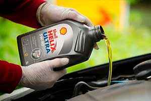 Чому чорніє моторне масло Shell?